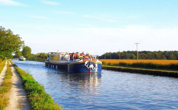 Two-Week Hotel Barge Cruises for Longer Wine Tours in France.